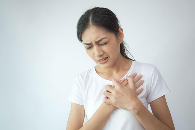 相模原市中央区で胸が痛い息苦しい症状の原因を検査する